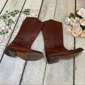 Frye 9B Melissa button lug riding boot chestnut brown tall leather fall western